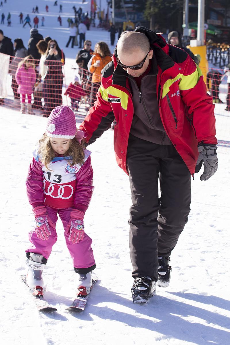 снимка 4 Един лев ще струва лифт картата на Боровец за деца до 13 години в деня на снега
