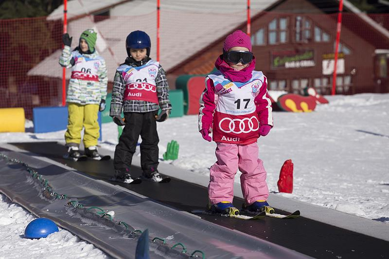 Един лев ще струва лифт картата на Боровец за деца до 13 години в деня на снега
