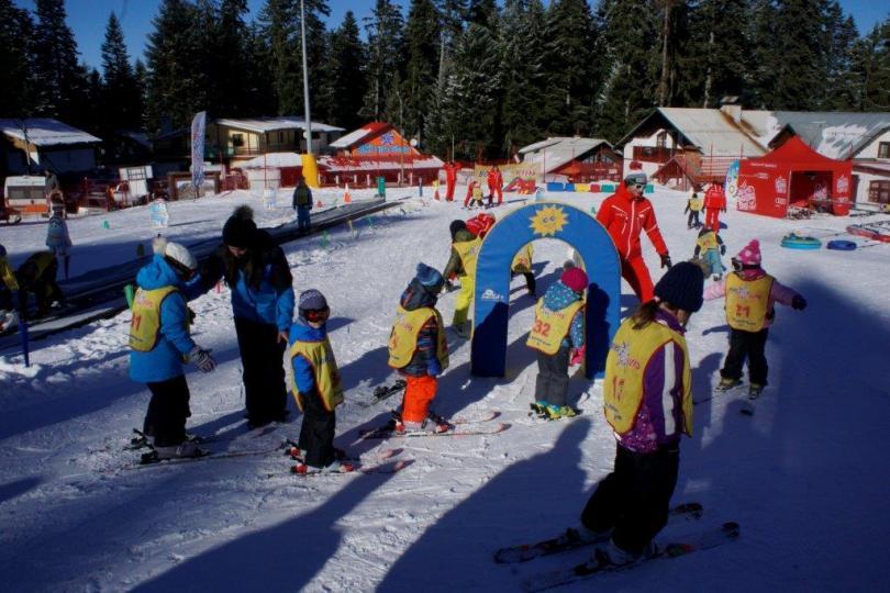 снимка 1 Един лев ще струва лифт картата на Боровец за деца до 13 години в деня на снега