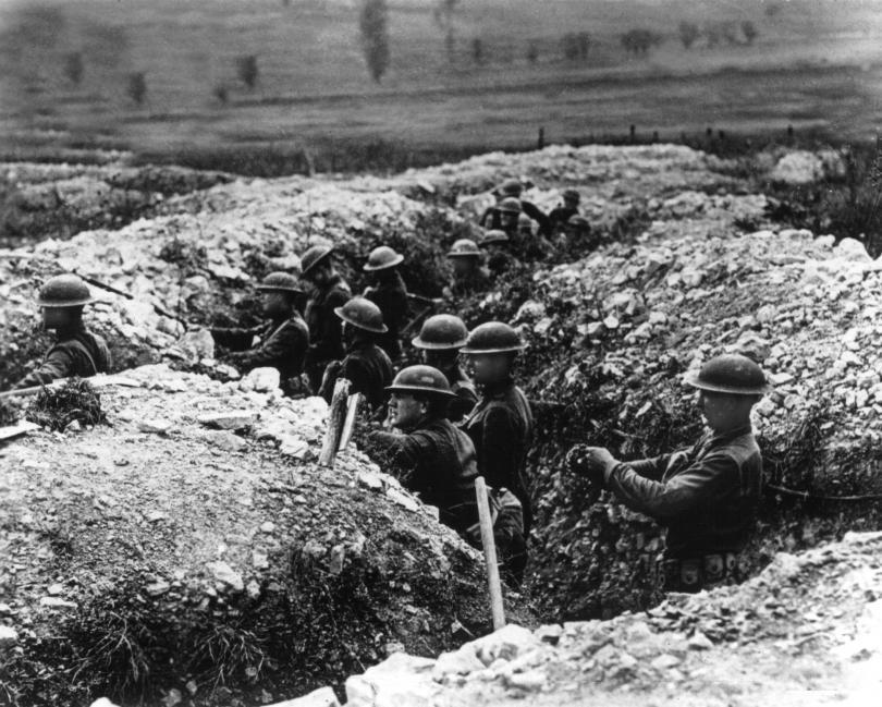 Войниците прекарват по-голямата част от битките в окопите.