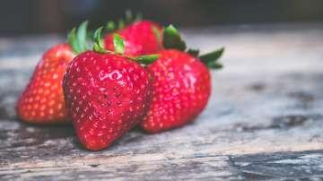 """Най-новата епидемия в Австралия: """"Шевни игли в ягодите"""""""