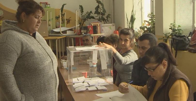 Балотажът в Ямбол преминава при доста ниска избирателна активност. В