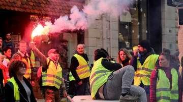 """Шофьор загина в инцидент, свързан с протестите на """"жълтите жилетки"""" във Франция"""