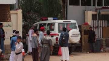 50 души загинаха при въздушен удар срещу автобус в Йемен