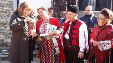Илияна Йотова:На дневен ред е темата за транспорт за отдалечените села и региони