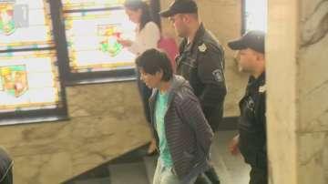 Нападателят, който рани с нож младеж в столичен тролей, остава в ареста