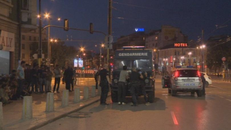 незаконни мигранти задържани полицейска операция софия