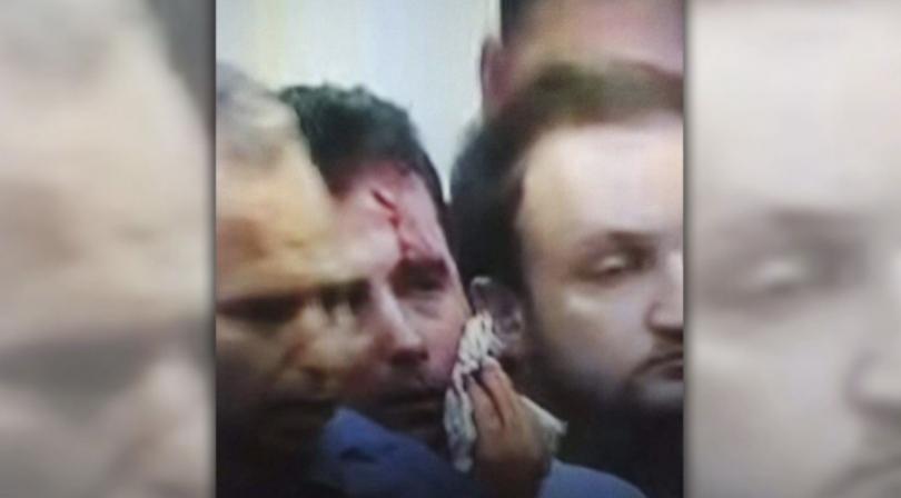 сблъсъци парламента скопие зоран заев няколко депутати леко ранени