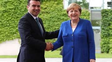 Зоран Заев се срещна в Германия с канцлера Меркел