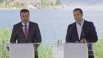Премиерите на Гърция и Македония пристигнаха за подписването на договора