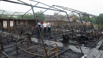 Четири деца загинаха при пожар в палатков лагер в Русия