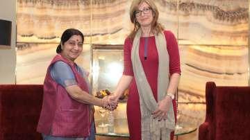 Е. Захариева: Български визи ще се издават в 15 града в Индия