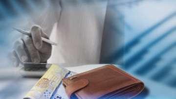 Увеличават учителските заплати с 10 %