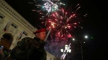 Празнична заря-проверка в София беляза кулминацията на тържествата за Трети март