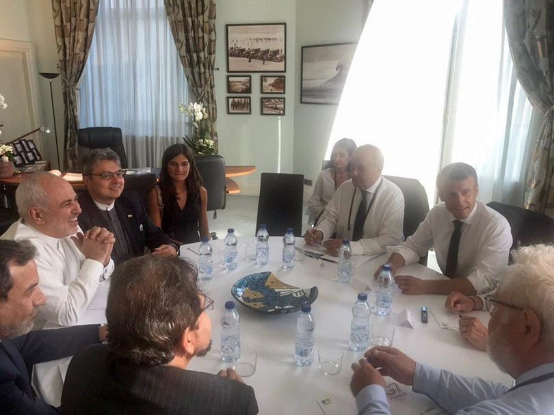 Иранският външен министър Мохамад Джавад Зариф направи кратко изненадващо посещение