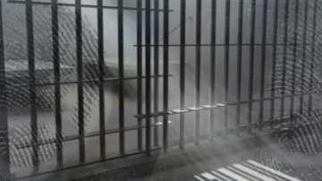 Радикализиран затворник рани двама надзиратели във Франция