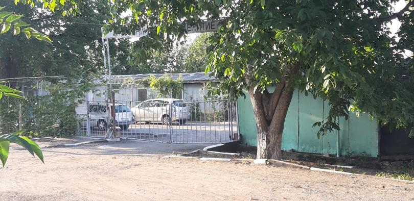 Продължава издирването на двамата осъдени, които избягаха от затворническото общежитие