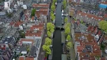 Зелена светлина: на лов за пластмаса по каналите на Амстердам