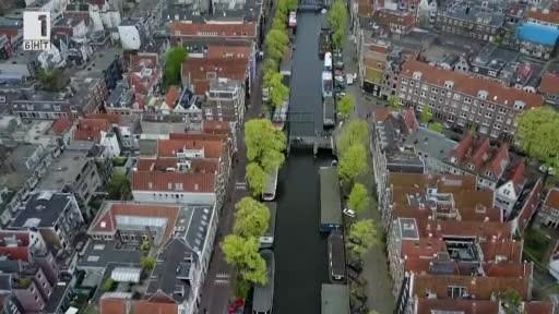 На лов за пластмаса. По каналите на Амстердам, с електрическа