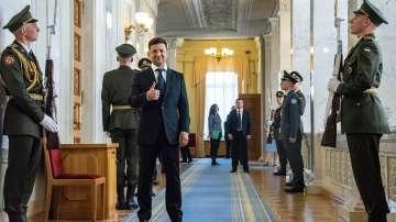 Новият украински президент положи клетва и разпусна парламента
