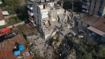 От нашите пратеници: Още жертви и нови трусове в Албания