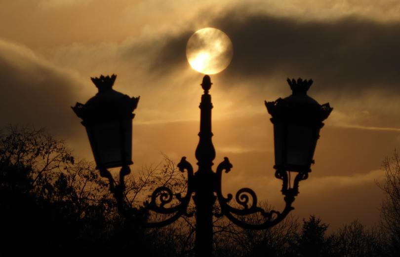 нощ настъпва астрономическата зима зимното слънцестоене