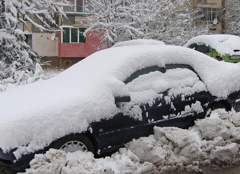 Оправдаха се очакванията за снеговалежи на много места в страната