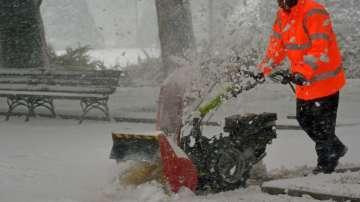Обявени са предупредителни кодове за опасно време заради сняг и вятър