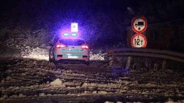 Снегът усложни обстановката на прохода Шипка