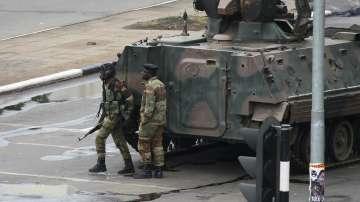Военните в Зимбабве превзеха властта, но отрекоха да са извършили преврат
