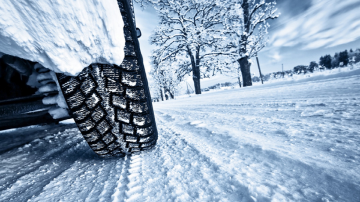 От днес всички автомобили трябва да се движат със зимни гуми