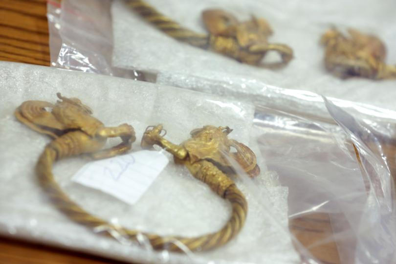 Златното съкровище, което беше открито при спецакция на ГДБОП, ДАНС