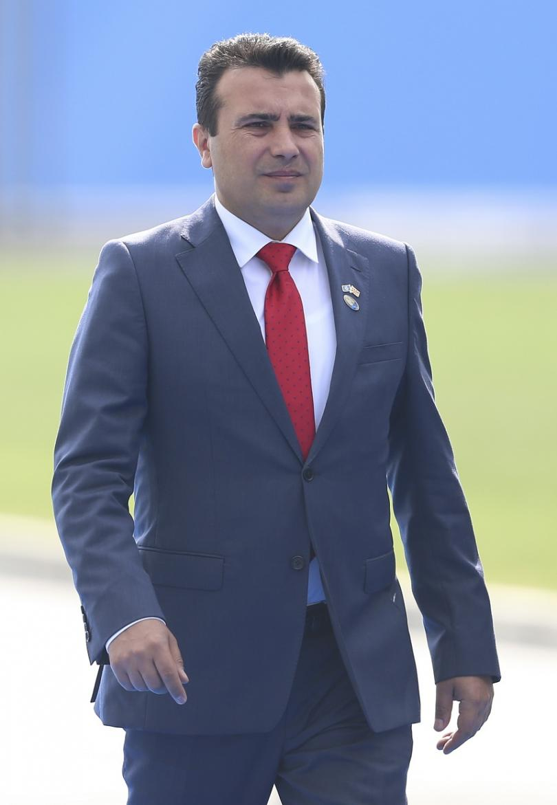 Премиерът Заев пристига в Брюксел на срещата на НАТО