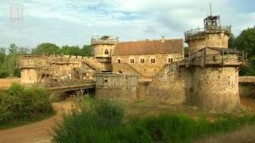 Зелена светлина: Замъкът Геделон - необичаен архитектурен експеримент